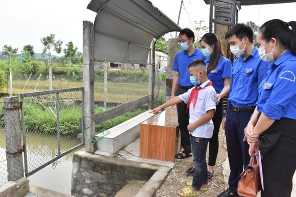 Hà Tĩnh: Tặng bằng khen học sinh lớp 4 dũng cảm cứu người bị đuối nước ảnh 2