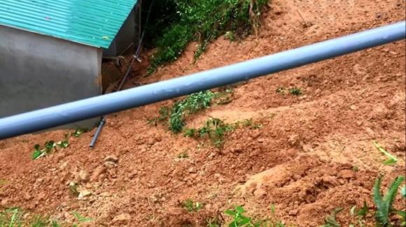 Hà Tĩnh: Sạt lở đất đồi làm sập tường nhà dân, 1 cháu bé bị gãy chân ảnh 5