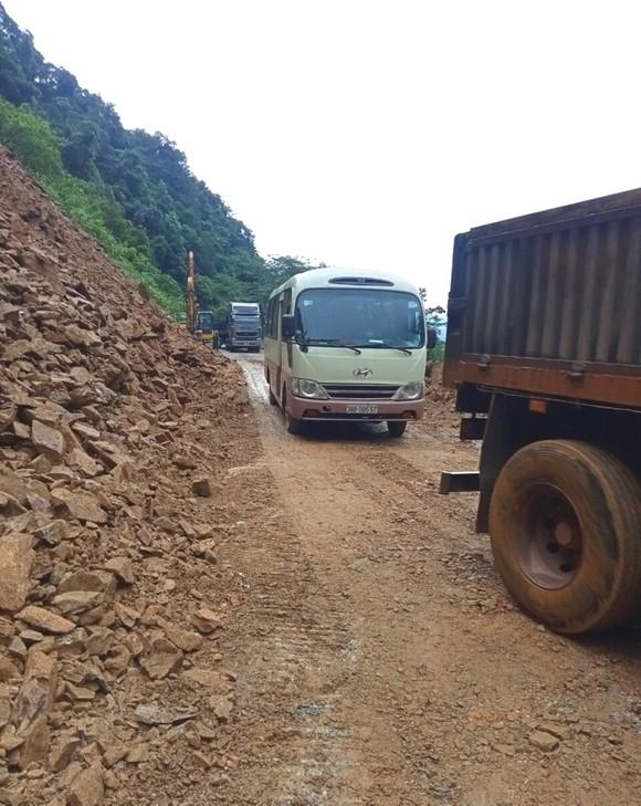 Thông tuyến Quốc lộ 8A lên cửa khẩu quốc tế Cầu Treo ảnh 6