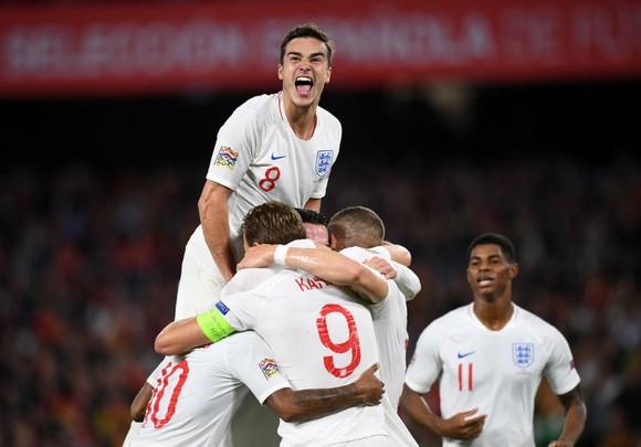 """Tây Ban Nha - Anh 2-3: Tam sư và đêm Seville đầy """"ảo diệu"""" ảnh 1"""