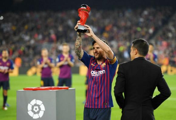 Gãy xương tay phải, Messi nghỉ trận Siêu kinh điển ảnh 1