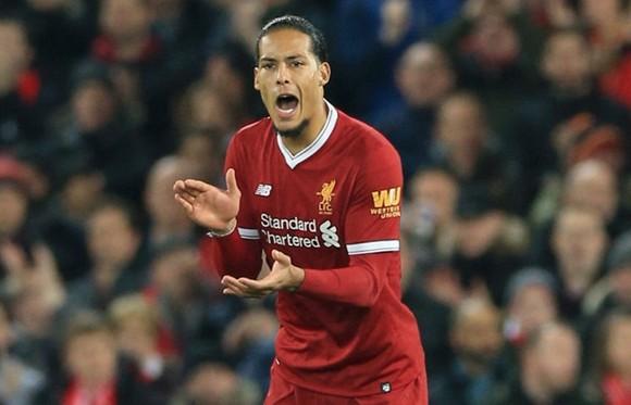 Van Dijk tiết lộ điều giúp Liverpool tiến bộ ảnh 1