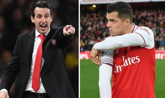 Đội trưởng Arsenal xin lỗi trong… hằn học ảnh 1