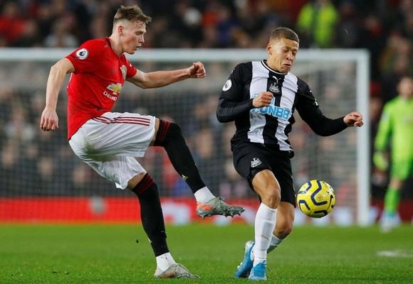 Quỷ đỏ đại thắng Newcastle, nhưng mất cầu thủ ổn định nhất