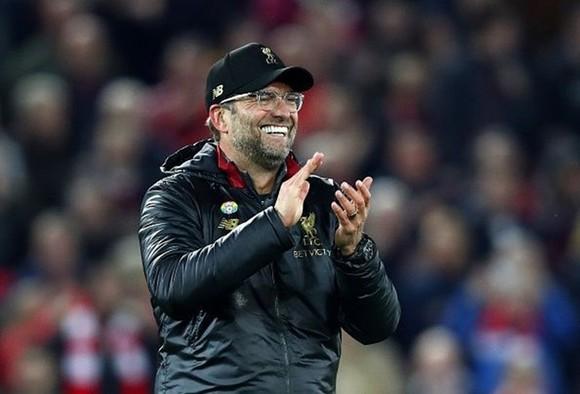 """HLV Klopp """"cạn lời"""" vì một năm bất bại của Liverpool ảnh 1"""