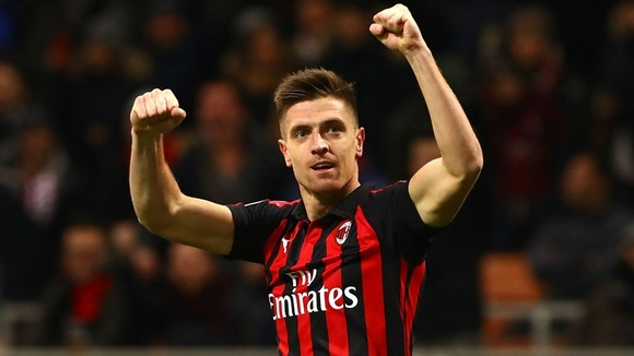 Mất Harry Kane gần hết giải, Tottenham tìm viện binh từ Milan ảnh 1
