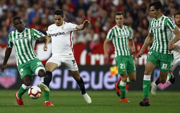 Trận derby giữa Real Betis và Sevilla vào ngày 11-6 sẽ hâm nóng ngày La Liga trở lại. Ảnh: Getty Images