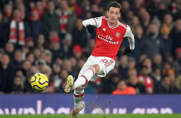 Arsenal bất ngờ khủng hoảng, cơ hội tốp 4 xa vời ảnh 1