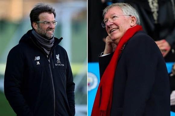 Jurgen Klopp đã chia sẻ niềm vui chiến thắng cùng Sir Alex Ferguson.