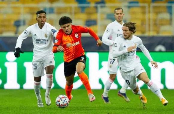 Thêm Liverpool, Porto giành vé vào vòng 1/8 ảnh 1