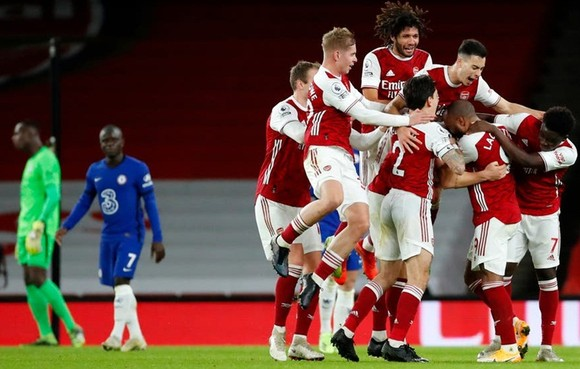 Niềm vui hiếm hoi và quý giá của các cầu thủ Arsenal. Ảnh: Getty Images