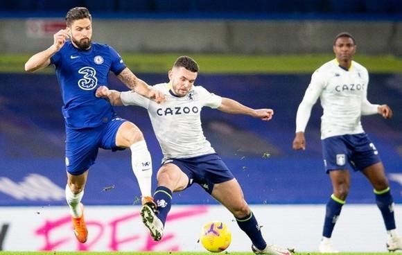 Chelsea hụt hơi, Leicester lên nhì bảng khi trận Everton - Man City bị hoãn ảnh 1