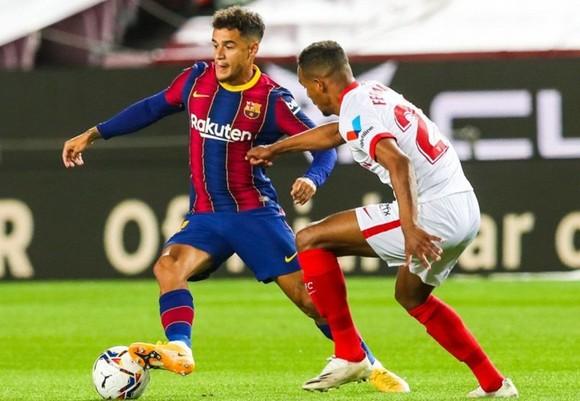 Philippe Coutinho vắng mặt khiến Barca càng khó về nhân sự.