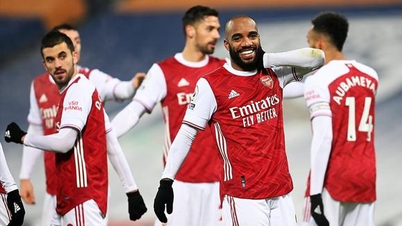 Alexandre Lacazette tỏa sáng giúp Arsenal tiếp đà hồi sinh. Ảnh: Getty Images