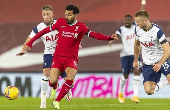 Firmino giúp Liverpool tận hưởng niềm vui ở London ảnh 1