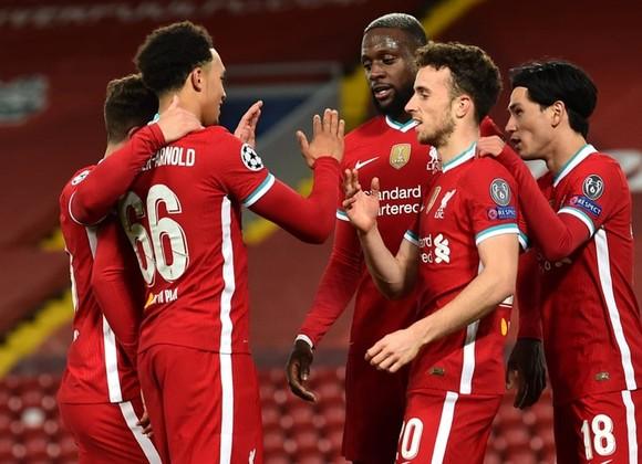 Sau bất lợi tại cuộc đua vô địch quốc nội, Liverpool lại gặp rắc rối ở châu Âu. Ảnh: Getty Images