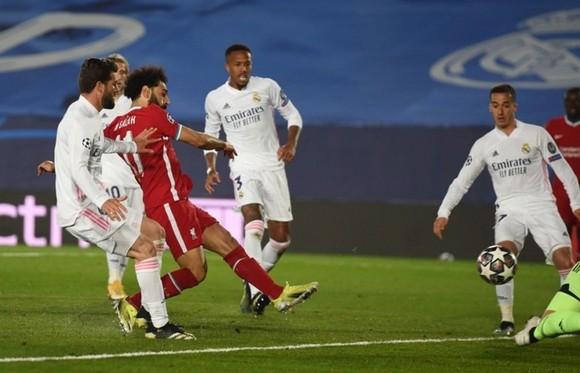 Cú đúp của Vinicius tàn phá Liverpool ảnh 1
