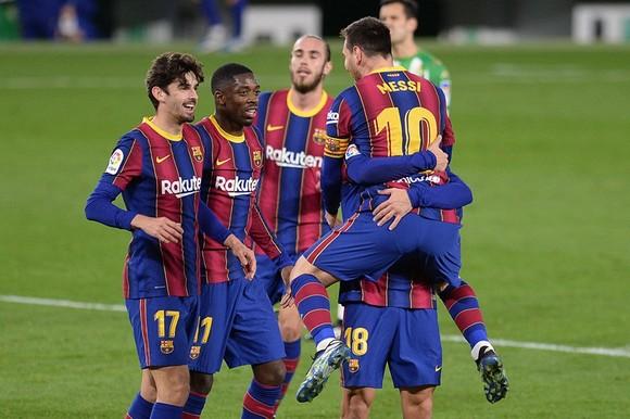 Barcelona trở thành CLB bóng đá có giá trị lớn nhất thế giới.