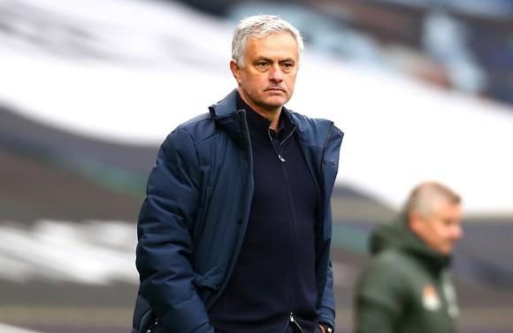 Jose Mourinho tin Tottenham còn mục tiêu tốp 4 cũng rất quan trọng. Ảnh: Getty Images