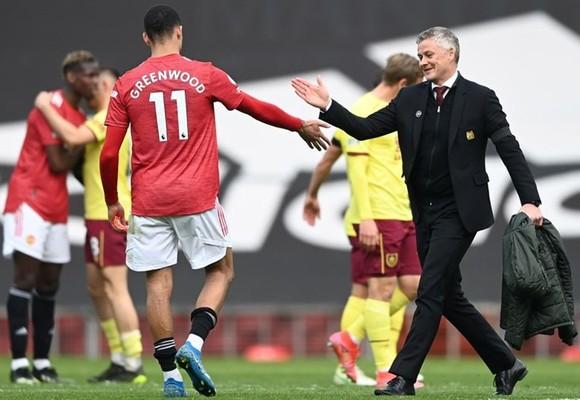 Cảm xúc lẫn lộn với Solskjaer sau trận thắng Burnley ảnh 1
