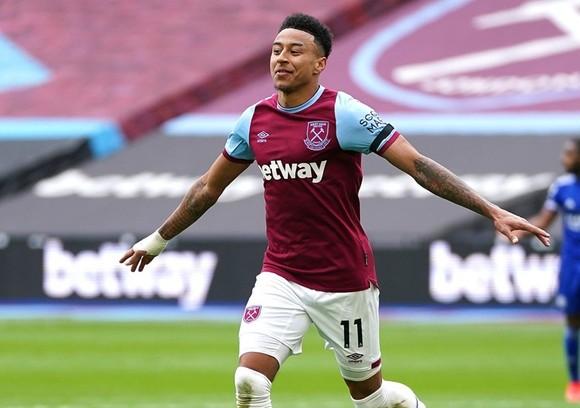 Jesse Lingard tìm lại niềm vui chơi bóng trong màu áo West Ham. Ảnh: Getty Images