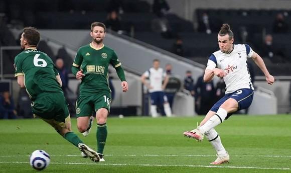 """Không còn bị """"giam cầm"""", Bale bùng nổ với hat-trick ảnh 1"""