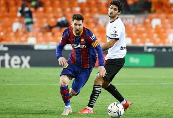 Lionel vẫn nhiệt tình và xuất sắc trong ghi bàn để truyền cảm hứng cho Barca. Ảnh: Getty Images
