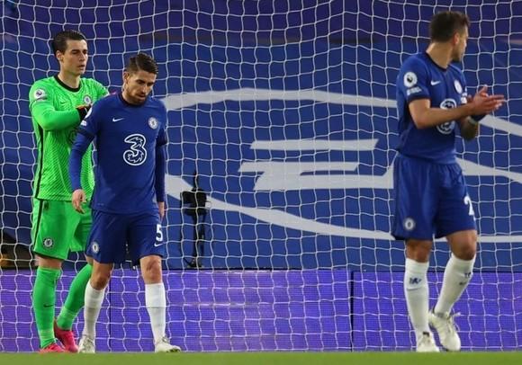 Jorginho mắc lỗi trong bàn thua duy nhất khiến Chelsea thua trận. Ảnh: Getty Images