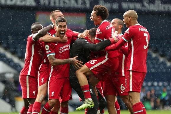 Liverpool ăn mừng bàn thắng có thể là quan trọng nhất mùa giải của mình. Ảnh: Getty Images