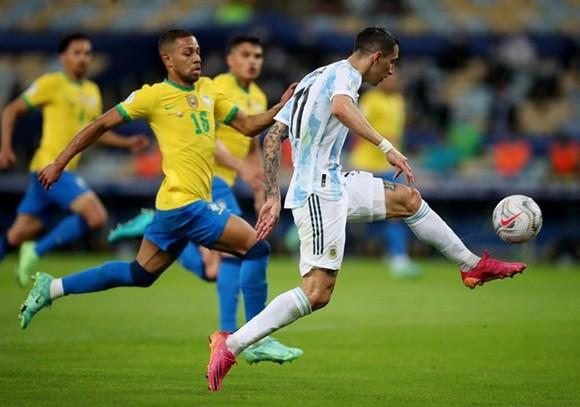 Copa America 2021: Argentina giải cơn khát 28 năm, Messi có danh hiệu lớn đầu tiên ảnh 1