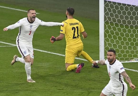 Italy - Anh 1-1 (3-2 luân lưu): Tam sư gục ngã trước thiên đường, Azzurri số 1 châu Âu sau 53 năm ảnh 2