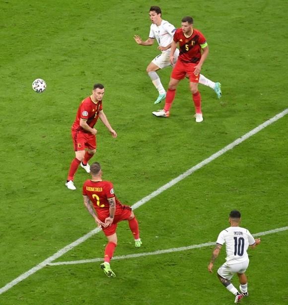 Chiêm ngưỡng 3 bàn thắng đẹp nhất mùa của UEFA  ảnh 1