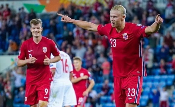 Depay, Haaland lập hat-trick, Hà Lan và Na Uy so kè ở ngôi đầu  ảnh 1