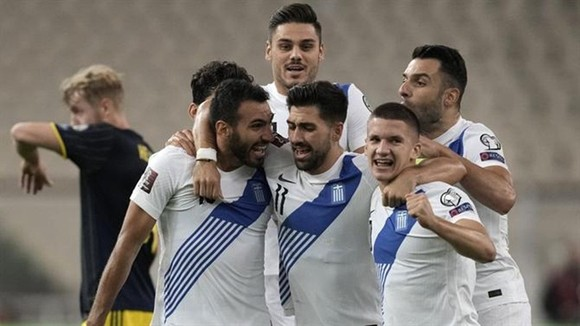 Tây Ban Nha sáng cơ hội khi Thụy Điển trượt chân tại Hy Lạp ảnh 1