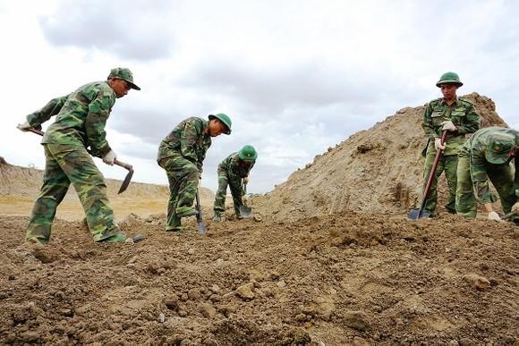 Tìm kiếm, quy tập hài cốt liệt sĩ trong trận đánh Tết Mậu Thân 1968 tại khu vực sân bay Tân Sơn Nhất