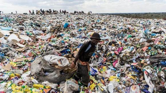 Rác thải nhựa trở thành vấn đề nan giải toàn cầu