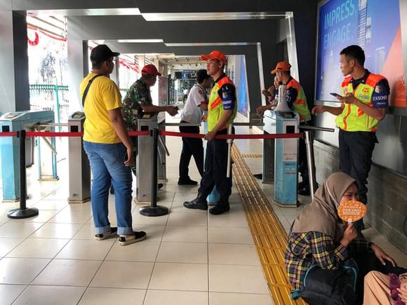 Indonesia mất điện trên diện rộng. Ảnh: REUTERS