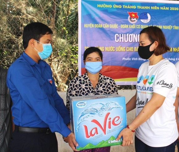 La Vie và Nestlé Việt Nam chung tay quản lý nguồn nước, giảm thiệt hại từ hạn mặn ảnh 1