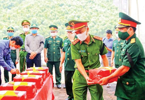 An táng 66 hài cốt liệt sĩ hy sinh tại Lào