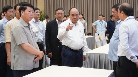 Thủ tướng kiểm tra công tác chuẩn bị Hội nghị Cấp cao ASEAN lần thứ 36. Ảnh: VGP