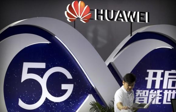 Mỹ chặn các công ty sử dụng công nghệ Trung Quốc. Nguồn: AP