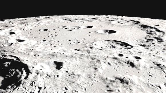 Cơ quan Hàng không vũ trụ Mỹ (NASA) vừa phát hiện nước xuất hiện ở cả những bề mặt của Mặt trăng được Mặt trời chiếu sáng và đầy nắng