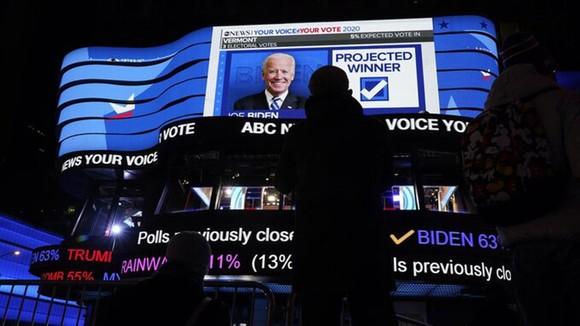 Bầu cử Mỹ 2020: Đương kim Tổng thống có 213 phiếu đại cử tri, ứng viên Joe Biden giành 238 phiếu ảnh 14