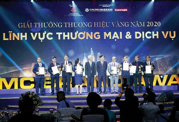 Tập đoàn Xây dựng Hòa Bình nhận giải Thương hiệu vàng TPHCM ảnh 1