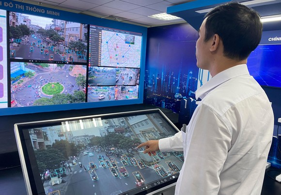 Với hệ thống camera giao thông hiện đại, TPHCM đang từng bước quản lý xã hội trên các nền tảng số