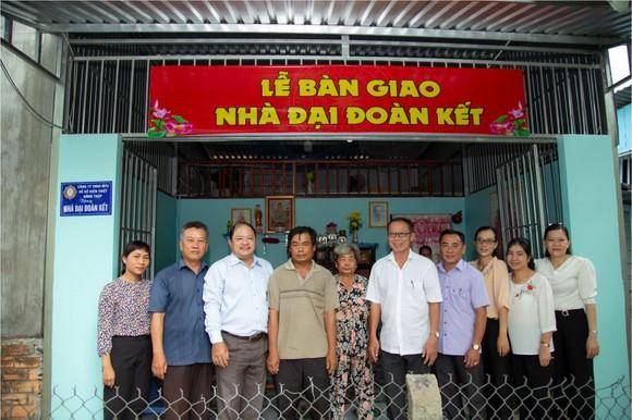 Công ty TNHH MTV Xổ số kiến thiết Đồng Tháp trao nhà Đại đoàn kết tại thành phố Cao Lãnh