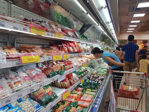 Hoạt động khuyến mãi liên tục được doanh nghiệp triển khai để kích cầu tiêu thụ hàng Việt