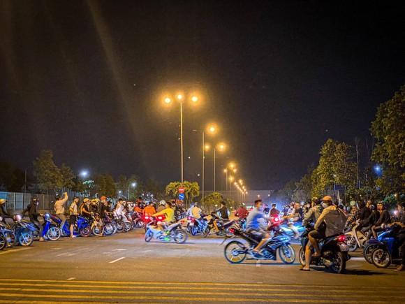 """Hàng trăm """"quái xế"""" chặn cao tốc TPHCM - Long Thành - Dầu Giây đua xe ngày 19-3"""