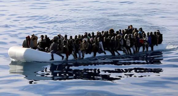 Di dân được tuần duyên Libya cứu vớt trên Địa Trung Hải. Nguồn: REUTERS