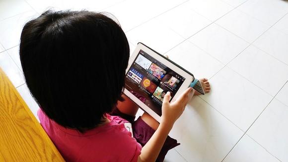 Giải trí cho trẻ em: Người lớn định hướng, trẻ vui và học ảnh 1